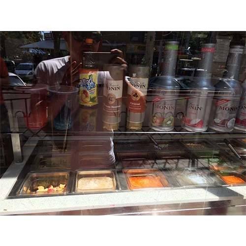 SD 203 Frozen Yogurt cabinets